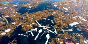 """Así es el gigantesco """"mar de basura"""" entre Honduras y Guatemala"""