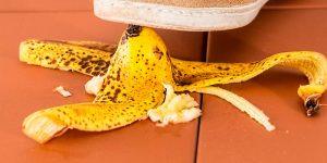 Si la banana presenta manchas negras no la botes hay beneficios de comerla