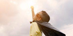 Sobrevivientes infantiles de cáncer tienen más problemas de presión sanguínea