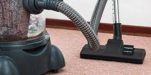 Hay alrededor de 45 toxinas que se encuentra en el polvo de los hogares