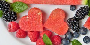 Un vistazo al extraño mundo de los 'frutarianos', que sólo comen fruta cruda