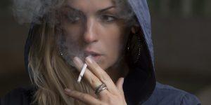 El fumar deja marcas químicas en el ADN de las personas